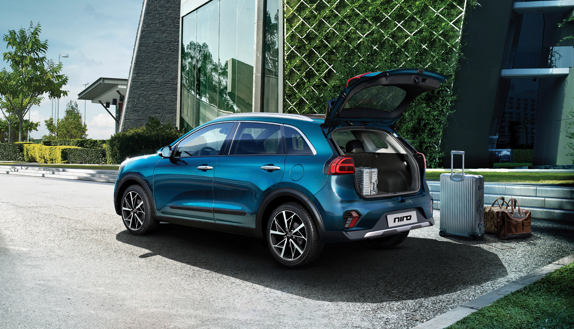 New Kia Niro Self Charging Gallery